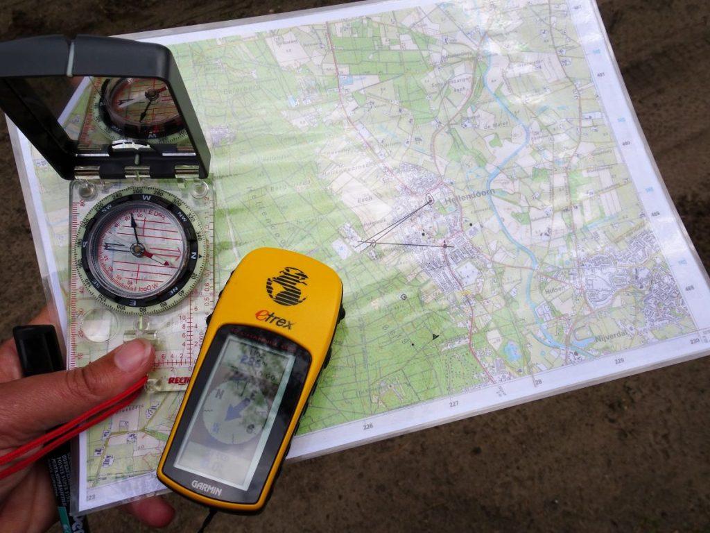 Instructieboeken cursussen kaart kompas gps - outdoor bergsport buitensport vertalingen abbiccì